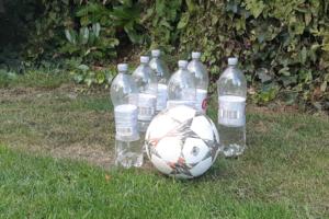 Flessen_voetbal_spel